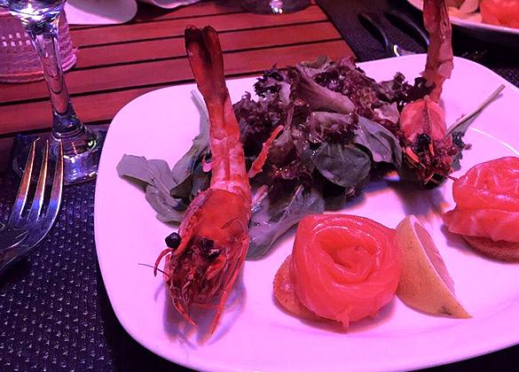 Tulip Lounge restaurant in hotel Monte Cassino
